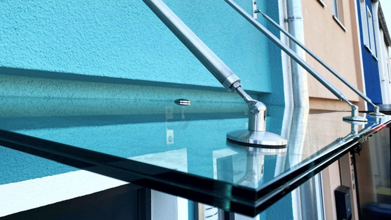 Glasvordach Detailansicht
