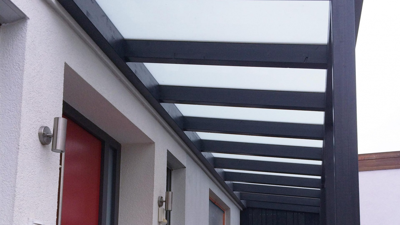 Haustürvordach aus Glas