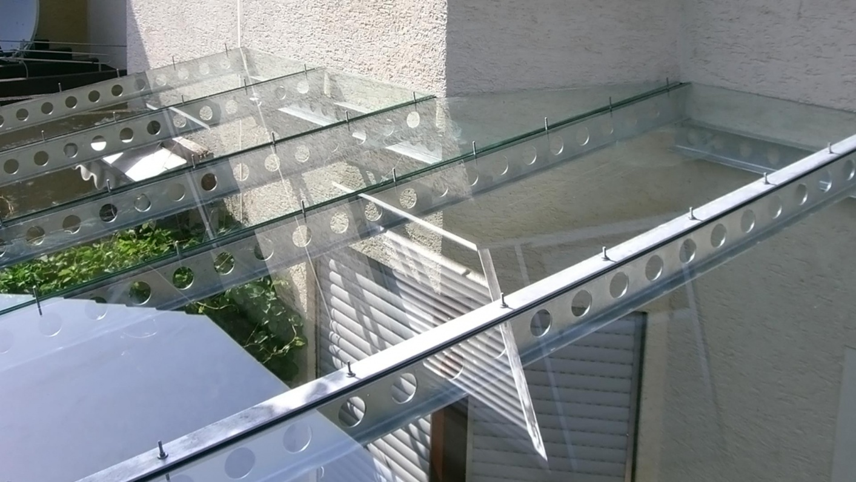 Maßgefertigetes Carportdach