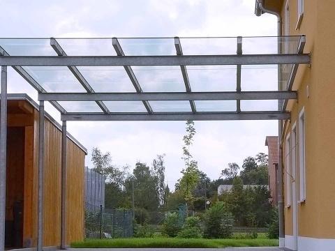 70-Glas-Carport