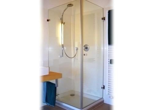 glasdusche nach ma glas voit gmbh glas voit gmbh. Black Bedroom Furniture Sets. Home Design Ideas