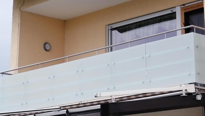 Balkonbrüstung aus Glas
