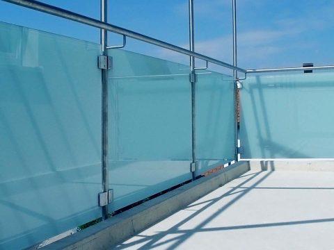 Glas-Gelaender-Glas-Voit