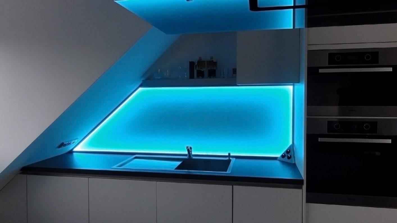 Küchenrückwand beleuchtet mit LED