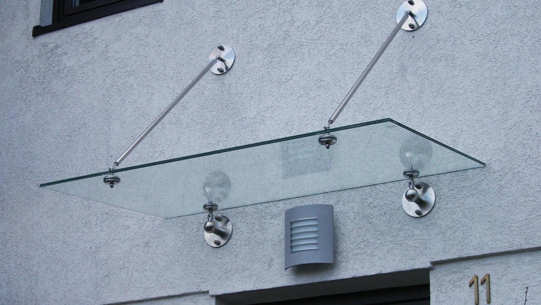 Glasvordach Eingang