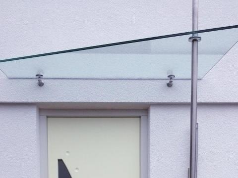 Glasvordach-Mit-Edelstahlbeschlag-Glas-Voit