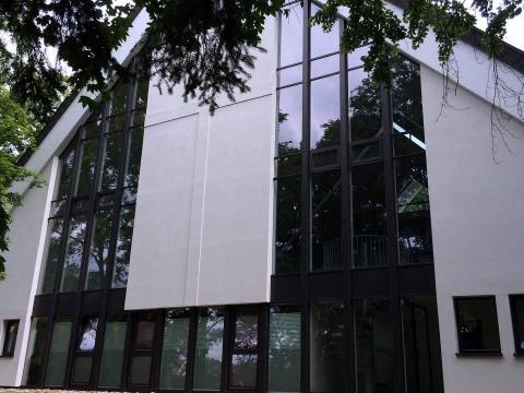Fassadensanierung-Mit-Waermeschutzisolierglas-Glasvoit