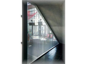 Glastrennwand Mit Sandstrahlmotiv