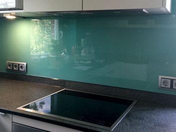 Glasrückwände nach Maß für Küche und Bad - GLAS VOIT GMBH ...