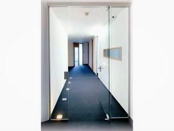 Glastür Mit Zugangskontrolle