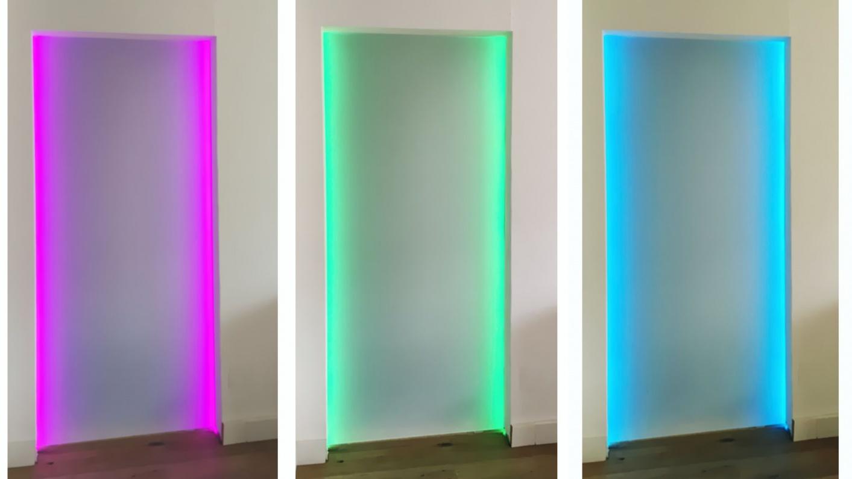 Trennwand aus Glas mit Beleuchtung