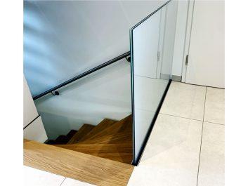 Absturzsicherung Aus Glas Für Treppenabgang