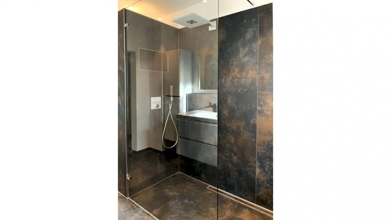 Offene Dusche aus Klarglas